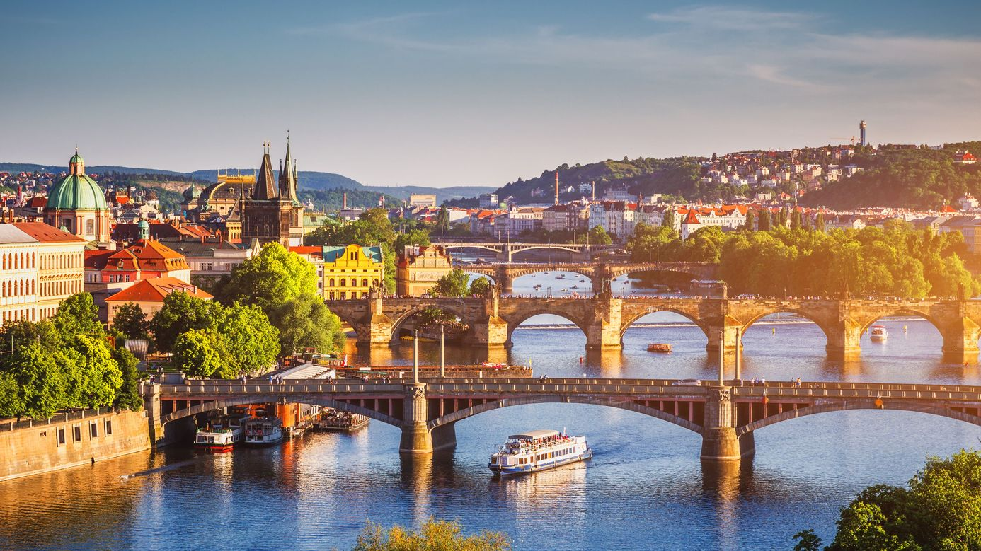 Гражданство в чехии при покупке недвижимости отель на крите продажа