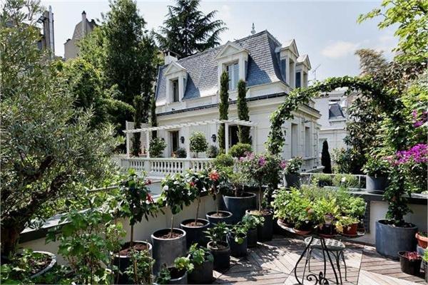 Пригород парижа дома когда откроют граница