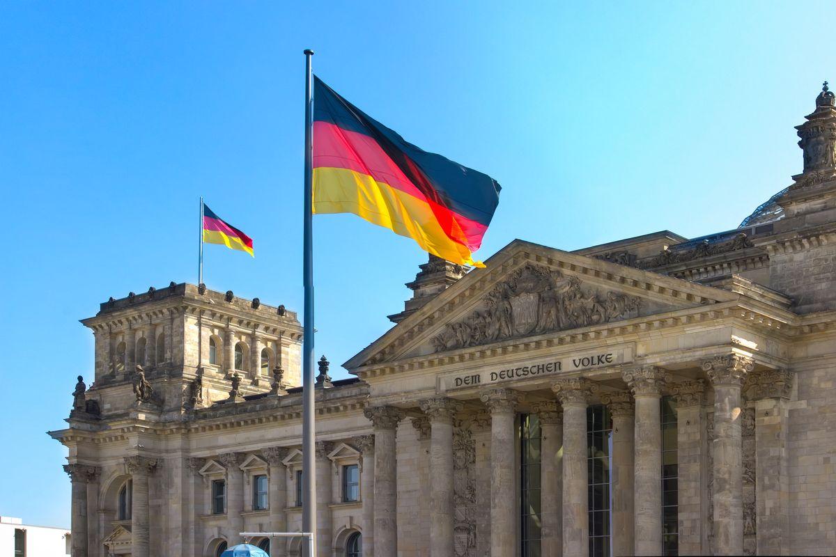 Переезд в германию для евреев купить дом на островах