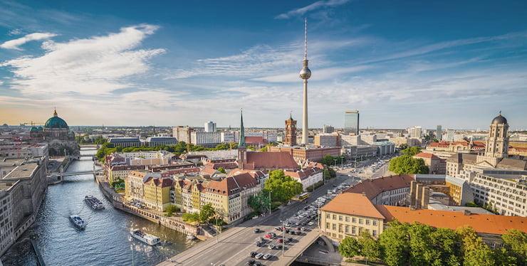Продажа коммерческой недвижимости германия снять жилье на крите у моря