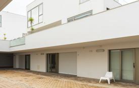 Португалия купить квартиру у моря аэропорт dwc дубай сайт