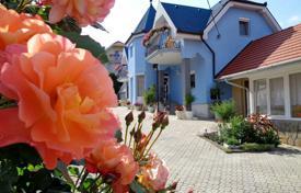 Купить дом на балатоне что можно везти в дубай
