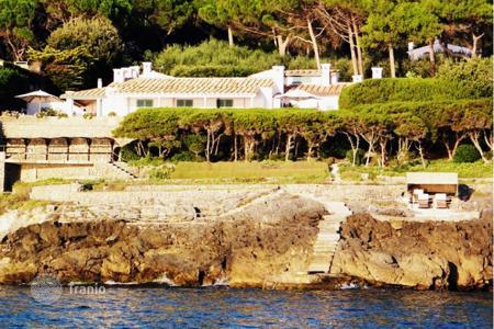 Снять недвижимость за границей у моря сколько стоит дом в черногории