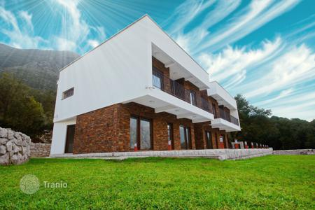 Продажа коттеджей в черногории купить квартиру таиланд цены в рублях