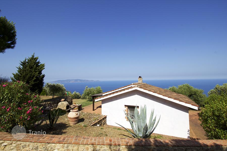 Bungalows in Italy by the sea Properties