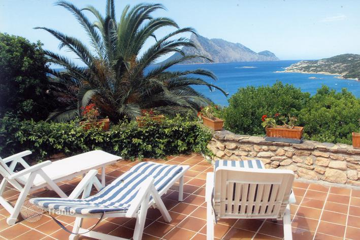 Rental villas in Capo Coda Cavallo on the beach from the owner
