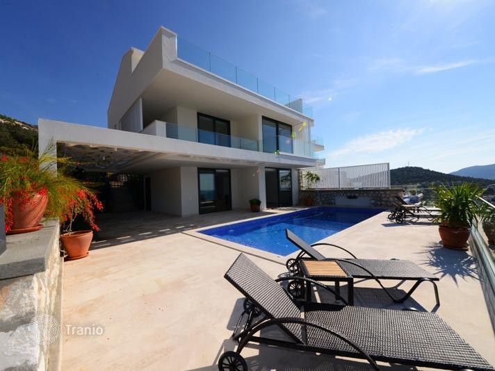 Недвижимость в испании берег моря