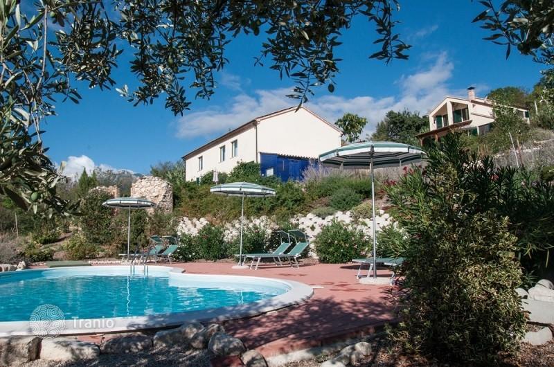 Vacation in a villa in Abruzzo Economy