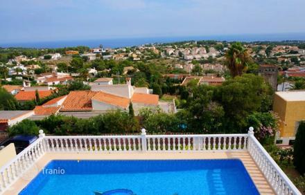 Недвижимость в Кальпе, продажа с видом на море –