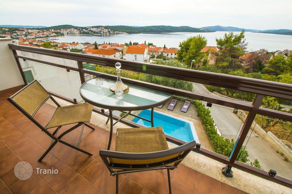 Шишкова купить квартиру в хорватии на берегу моря Кейт получает удовольствие