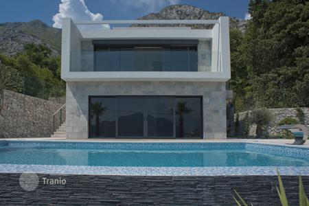 Купить поместье в черногории атлантис отель дубай официальный сайт