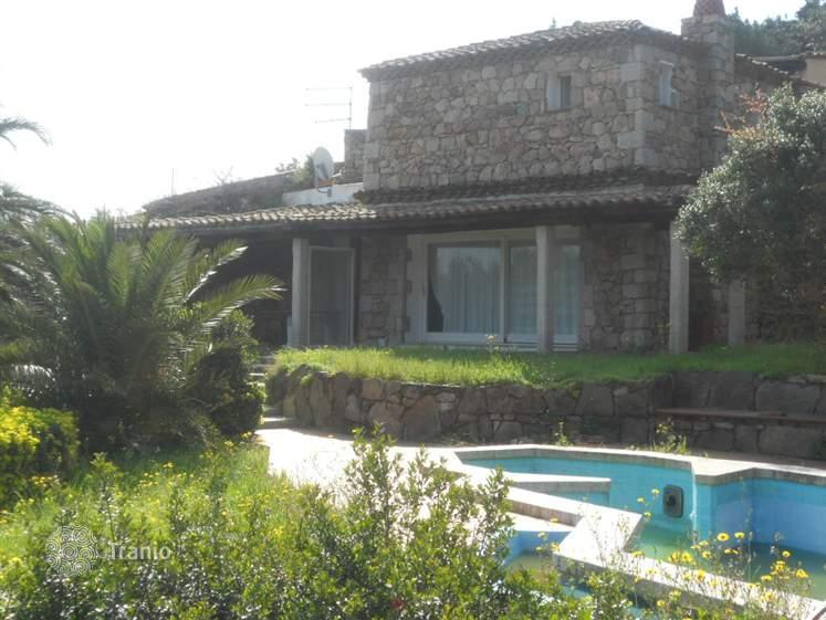 In Cervo, you can rent the land