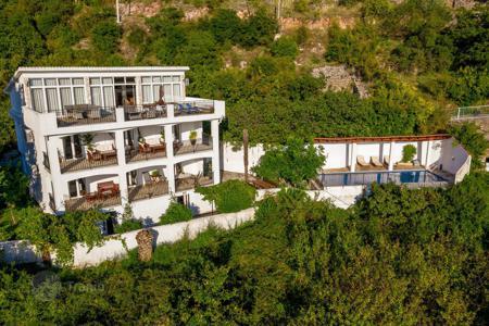 Купить поместье в черногории купить квартиры в дубае не дорогой