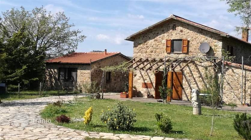 Real estate auctions in Tuscany