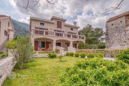 Черногория продажа домов лодка доу дубай