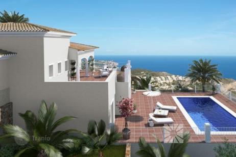 Июль 2015: недвижимость в Испании дешевеет, а на