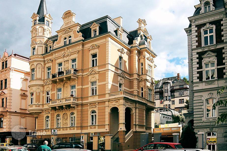 karlovy vary buddhist singles The richmond parkhotel is located in a calm part of karlovy vary on the bank of the tepla river and is surrounded by an english-style park the richmond hotel can be proud of its history of more than 160 years.