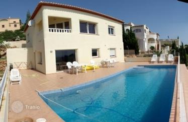 Сколько стоит снять квартиру в испании у моря
