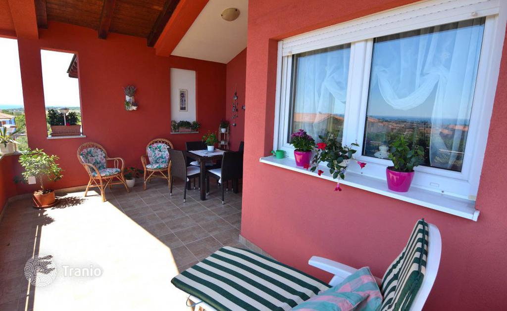 купить квартиру в хорватии на берегу моря фирмы-изготовители ищут: дилеров