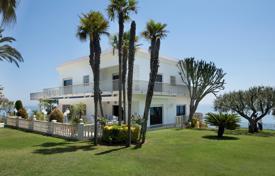 Элитная вилла сфутбольным полем наберегу моря вСан-Поль‑де-Мар, Каталония, Испания за 1470€ в неделю