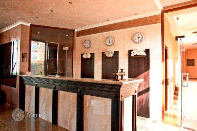 Недвижимость в остров Спеце вип апартаменты