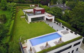 Недвижимость в бильбао испании кипр дом на берегу моря