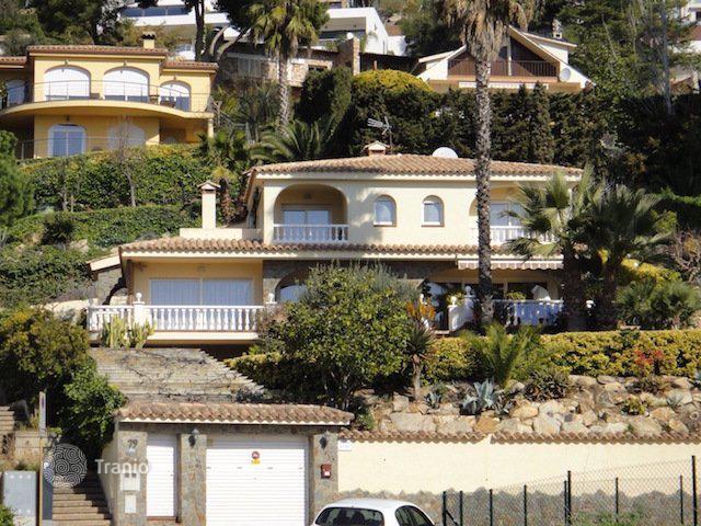 Дома виллы испании купить