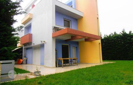 Квартира или дом в Неа Макри на берегу
