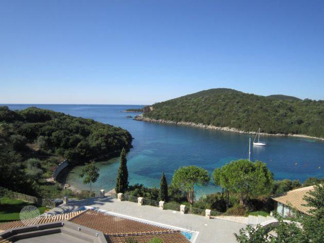 Домик в остров Эпир недорого