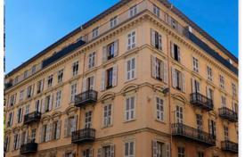 Стоимость однокомнатной квартиры в ницце замки в дубае продажа