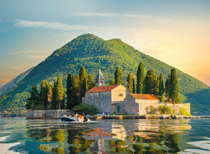 Недвижимость в черногории для россиян квартиры в дубае дешево