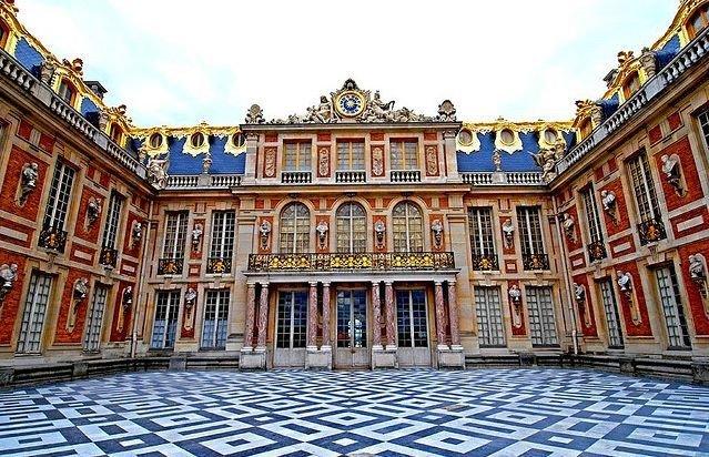 Версаль - столица франции в течение 107 лет самый большой дворец европы
